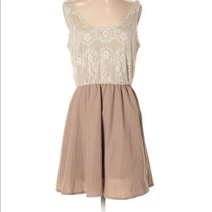 💍Alice moon by mooncollection lace tan dress M